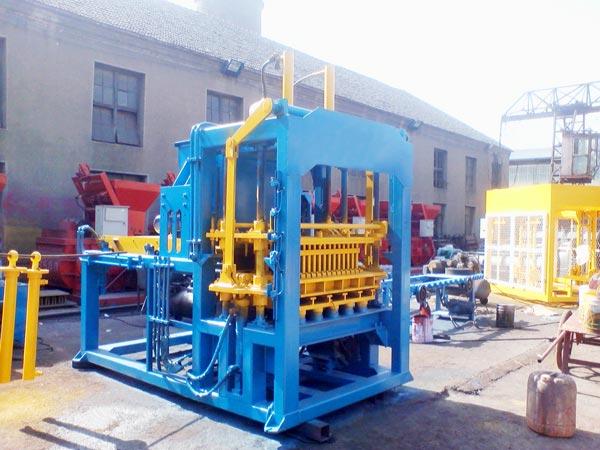 QT6-15 block machine