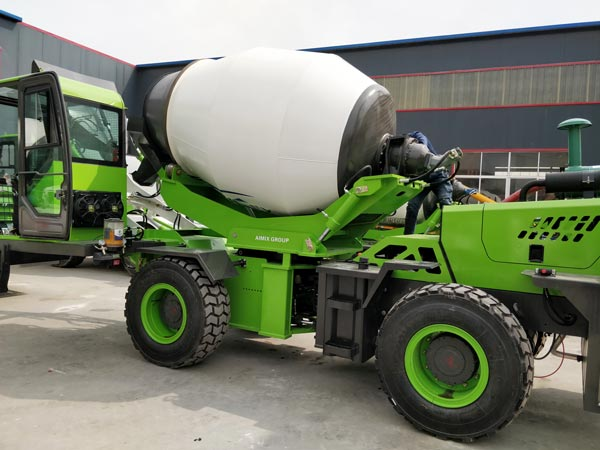 3.2 cub self laoding concrete mixer truck