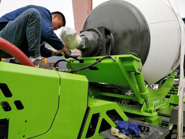3.2cub self loading mixer truck