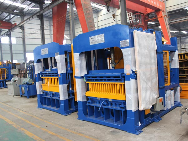 QT10-15 eco brick machine