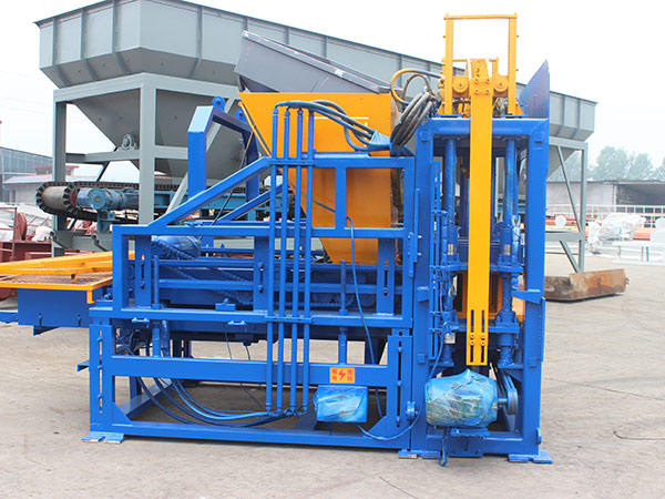 QT3-15 cement block machine