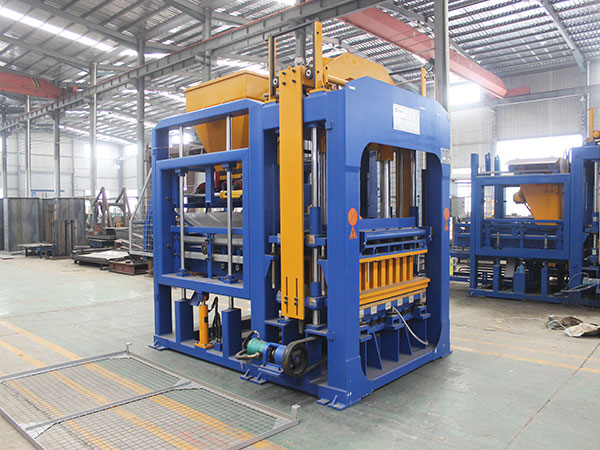 QT6-15 concrete block machine