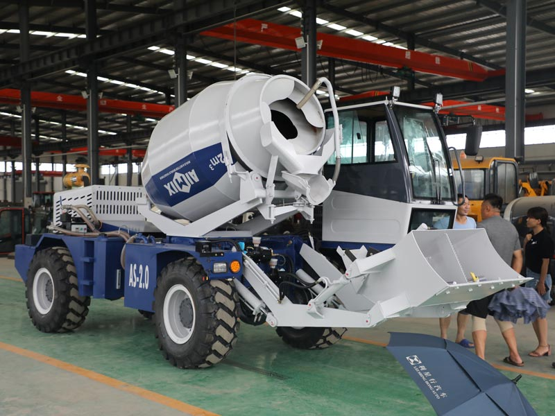 1.8 cub self loading concrete mixer
