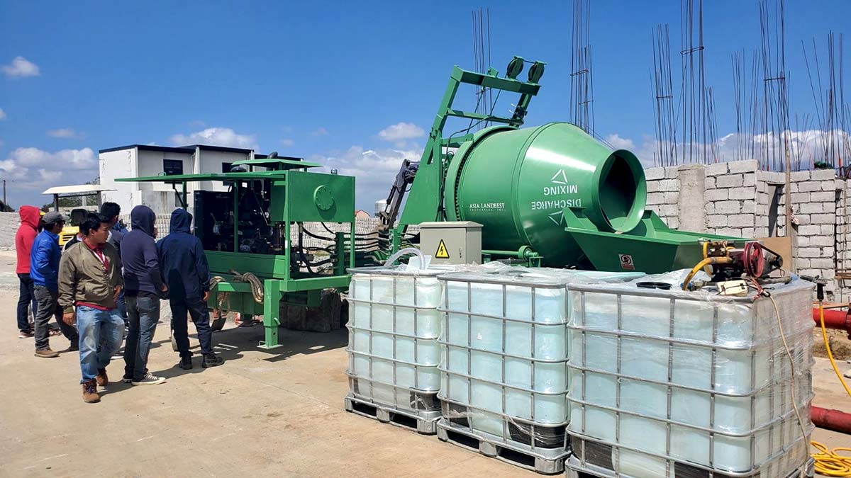 ABJZ40C Concrete Mixing Pump With Green Color Is Working In Cavite, Philippines