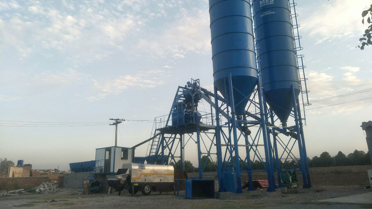 ABT80C Concrete pump and concrete batching plant in Pakistan